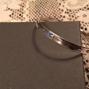 Silpada Jewelry - Silpada Arrow Dynamic Etched Sterling Silvr Bangle
